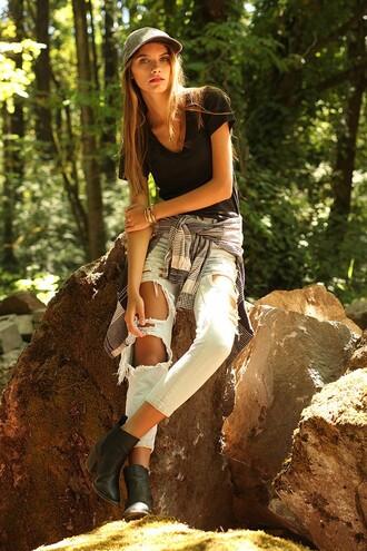 ouii district blogger shirt jeans jewels shoes hat