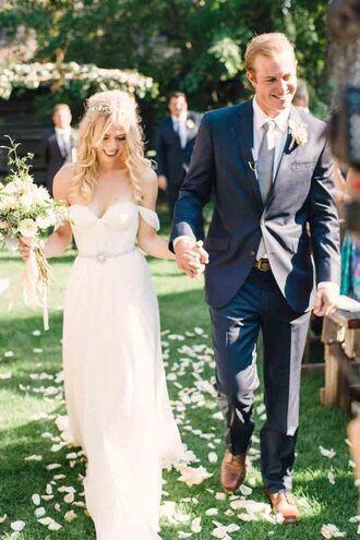 dress wedding dress bustier dress bustier wedding dress wedding groom wear flowers bouquet blonde hair boho dress long dress strapless dress white dress romantic dress bride dresses