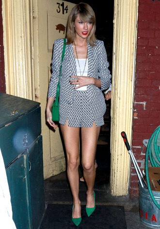 shorts top purse jacket pumps taylor swift shoes jewels necklace