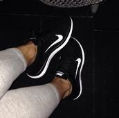 nike mesh,black trainers,white sneakers,black nike trainers,white tick,black and white trainers,trainers,sneakers,black sneakers,black and white sneakers,mesh,black mesh,grey leggings,nike,nike running shoes,nike sneakers,shoes,nike free run