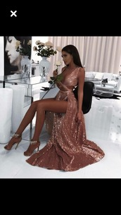 dress,formal dress,prom dress,rose gold,sparkly prom dress,ROSE GOLD PROM DRESS,sparkle,long prom dress,sequin prom dress,pink dress,long dress,slit dress,rose gold dress,sparkly dress,glitter dress,sparlkly