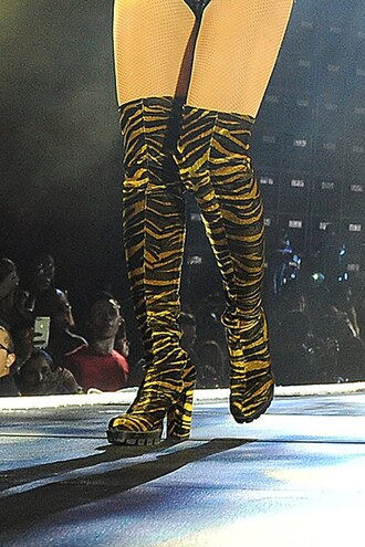 shoes beyonce beyonce formation knee high boots black boots tiger print