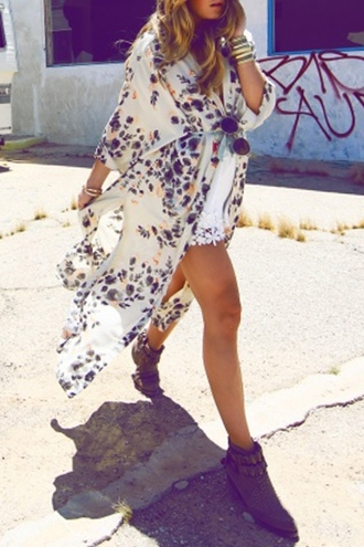 dress fashion style pattern flowy floral print long side slit 3/4 sleeves blouse summer cool trendy long