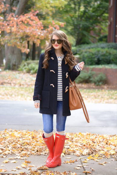 duffle coat bag red blogger sunglasses hunter boots wellies knee high socks southern curls and pearls top jeans socks jewels make-up stripes pearl