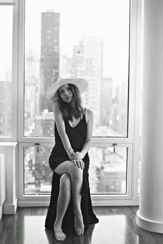 hat blogger black dress color me nana maxi dress