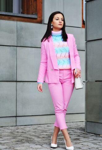 pants pink pants pink capri pants sweater multicolor sweater blazer pink blazer pastel sweater bag white bag high heel pumps pumps white pumps spring outfits