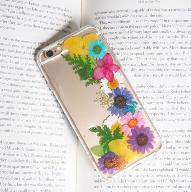 online store 93c09 9f5ef Phone cover, $26 at summersummerhandcraft.com - Wheretoget