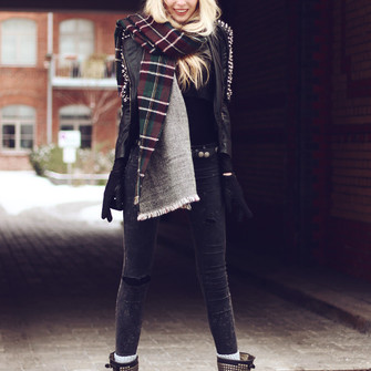 scarf cute black shoes red lime sunday hat pants girly boots fall outfits flannel scarf blogger cats fluffy fall outwear jeggings blonde hair lookbook winter outfits scarf red