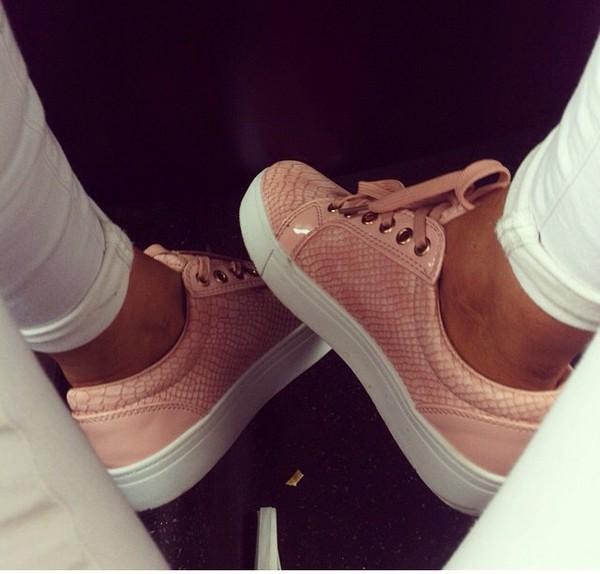 shoes pink shoes snake skin snake shoes pin snakeskin pink snakeskin shoes sneakers trainers pink snakeskintrainers snakeskinshoes snakeskinpink