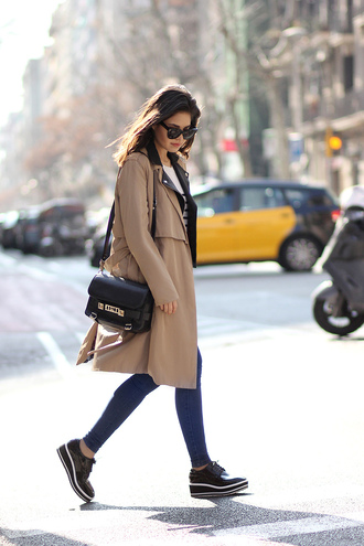 fake leather blogger trench coat black bag black shoes skinny jeans coat jacket sweater jeans shoes sunglasses
