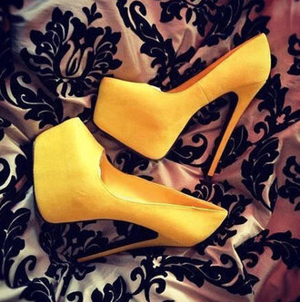 shoes yellow yellow shoes yellow heels heels high heels wedges platform shoes platform heels platform sneakers sneakers vogue chanel boho bohemian summer tumblr tumblr outfit grunge