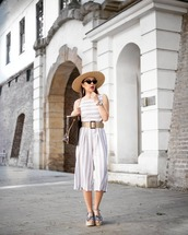 shoes,dress,belt,sandals,hat,sunglasses,bag
