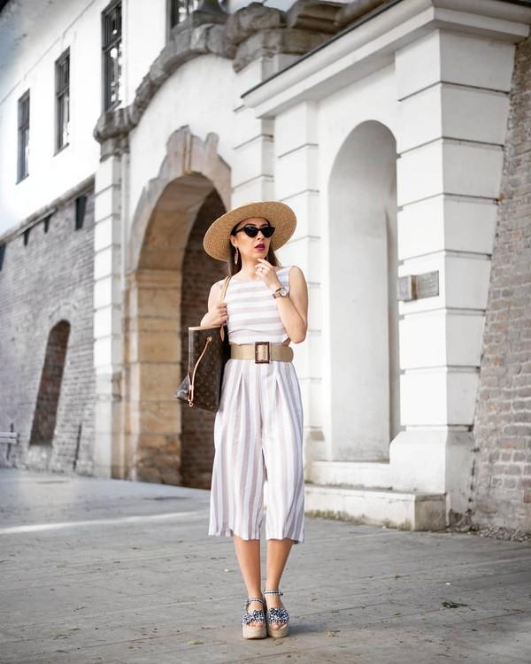 shoes dress belt sandals hat sunglasses bag