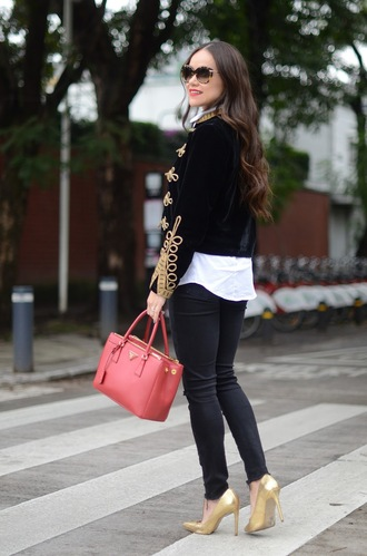 jacket tumblr black jacket military style embroidered jacket embroidered jeans denim black jeans skinny jeans black skinny jeans bag pink bag pumps pointed toe pumps high heel pumps gold shoes sunglasses shirt white shirt