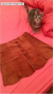 skirt,leather,daim,camel,vintage,brown,mini skirt,button up skirt,high waisted skirt,camel suede skirt