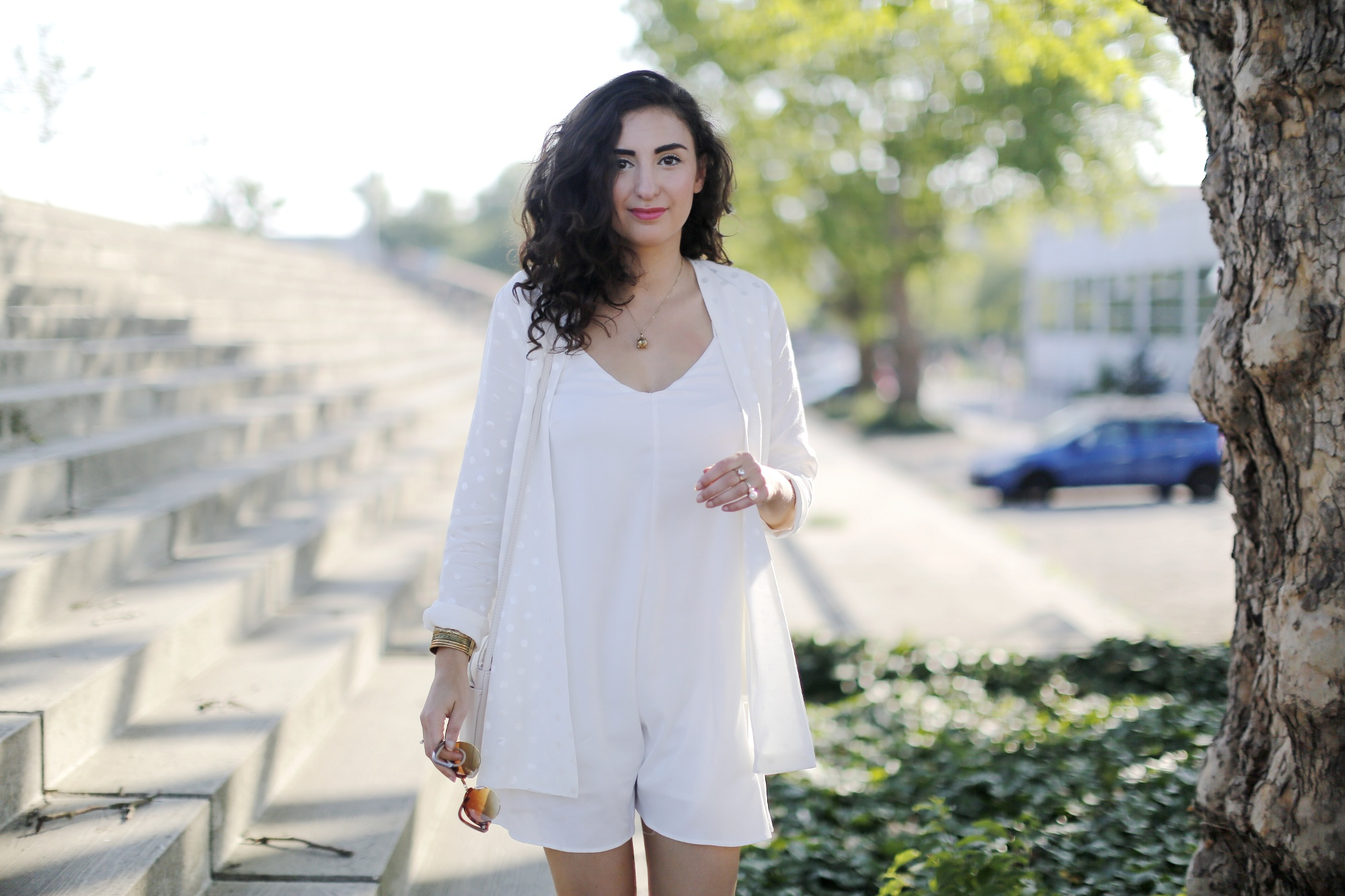 b8365298b6a6 All White Outfit wit Jumpsuit - Fashion Blog Berlin