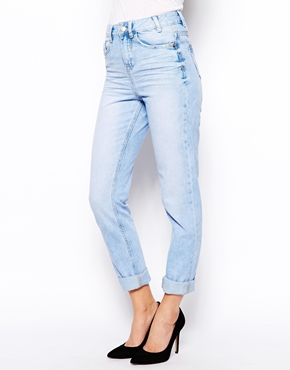 New Look   New Look Relaxed Mom Jean at ASOS