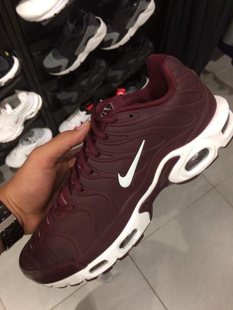 shoes same brand same colour