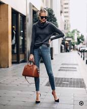 bag,handbag,leather bag,jeans,skinny jeans,pumps,turtleneck sweater,sunglasses
