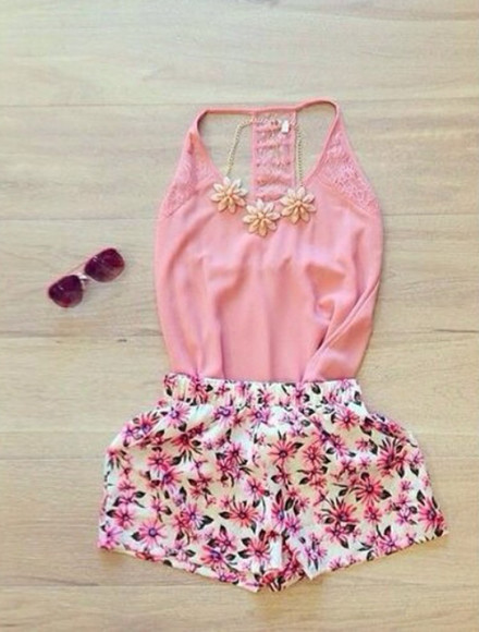 flowered shorts shorts flowers summer bright colored beautiful summer outfits pink shirts