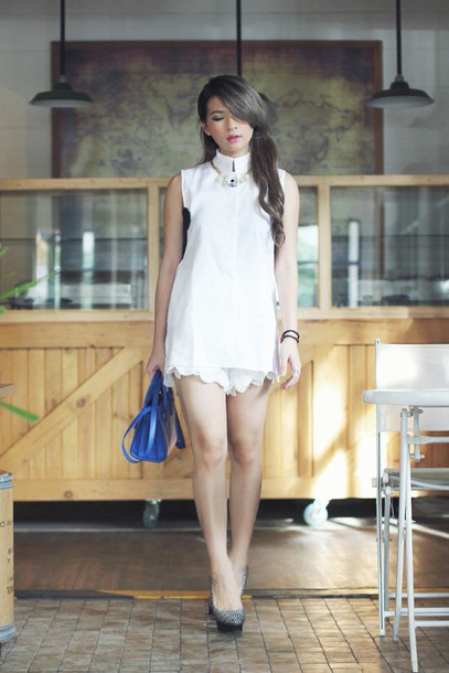 brown platform blogger jewels shirt shorts shoes