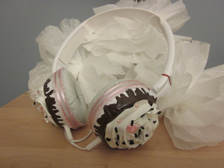 Cupcake headphones