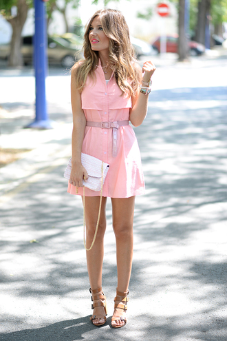 mi aventura con la moda blogger leather sandals summer outfits girly pink pink dress white bag