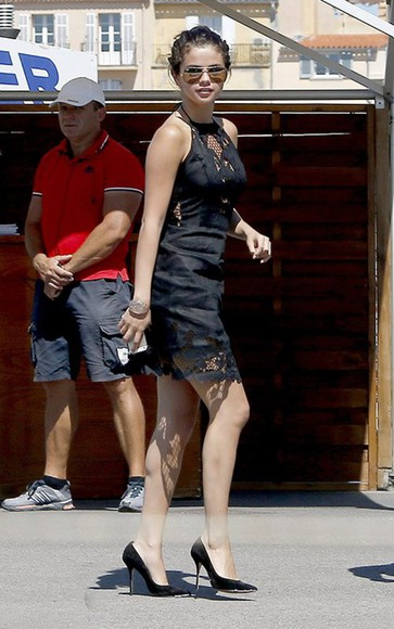 dress shoes sunglasses selena gomez