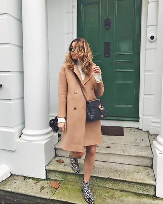 coat tumblr camel camel coat bag black bag crossbody bag boots ankle boots animal print