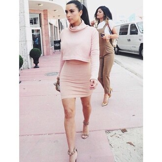 skirt kim kardashian co-ordinates blush pink