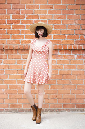 a fashion nerd blogger polka dots coral dress summer dress big pattern