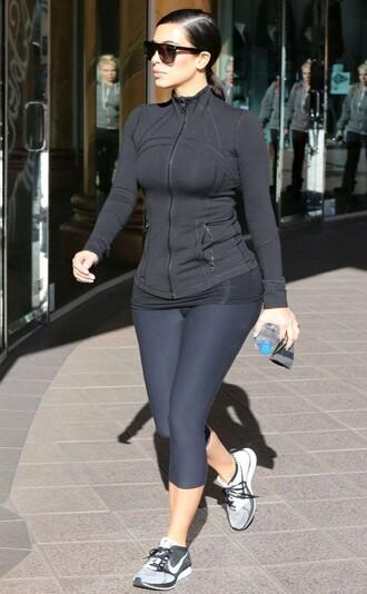 sportswear kim kardashian leggings