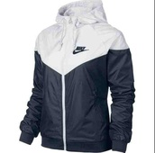jacket,nike windbreaker ladies,nike windbreaker jacket,black/ white,nike,sweater,black and white,black,white,windbreaker,nike jacket,nike sportswear,nike air,nike windbreaker black/whitee,windrunner,sportswear,women,nike windbreaker,nike windrunner,outerwear,gym,nike black white,pretty,want need