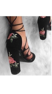 shoes,black,embroidered,flowers