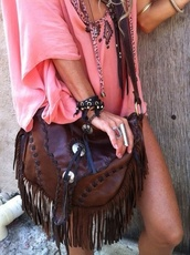 bag,t-shirt,shirt,belt,jewels,brown bag,boho,boho bag,indie,shoulder bag,brown leather bag