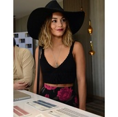 top,crop tops,skirt,flowers,roses,bighat,floppy hat,hat,vanessa hudgens,teenagers,blouse,pants,black,vanessa hudgens coachella,vanessa hudgens hat,bralette,bralet top,bra,summer shorts,summer top,shirt,floral,summer,pink and black