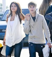 sweater,justin bieber,cardigan,selena gomez,beige,zip-up