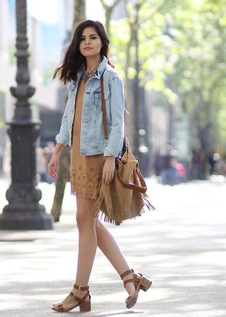 zebratrash blogger denim jacket suede dress fall outfits suede bag fringed bag boho bag leather sandals