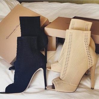 shoes black beige