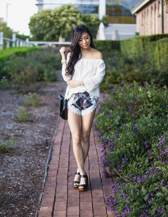 metallic paws blogger blouse shorts shoes