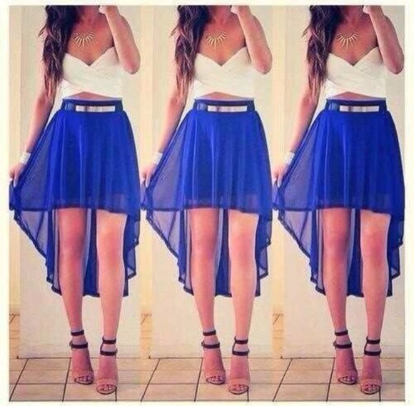 silver necklace blue crop tops white Belt high-low skirt gold