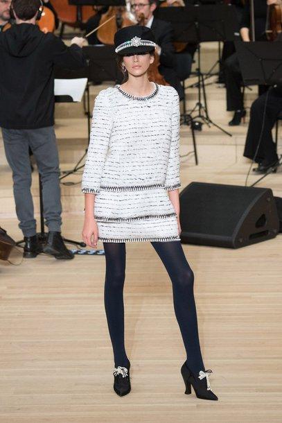 dress fall outfits fall dress hat kaia gerber model chanel runway
