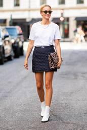 bag,animal print,clutch,oversized,white boots,mini skirt,white t-shirt,sunglasses