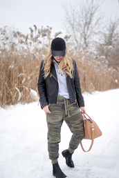 blonde bedhead,blogger,pants,shoes,sweater,hat,bag,cap,handbag,camo pants,ankle boots,leather jacket,winter outfits
