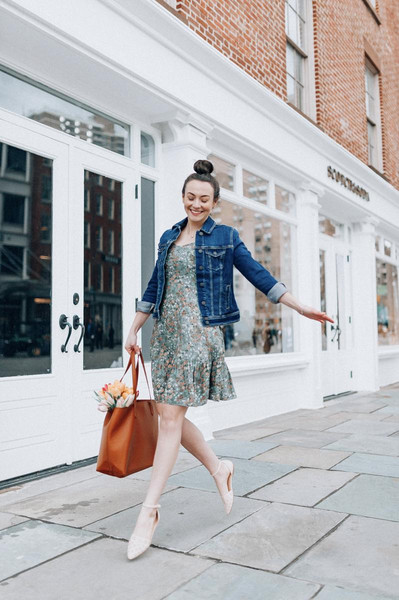 thecollegeprepster blogger dress jacket shoes bag denim jacket flats tote bag leather tote bag spring outfits