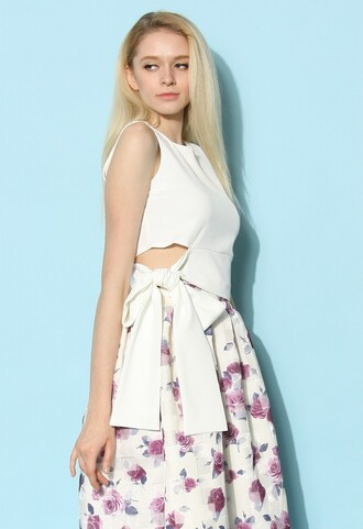 skirt chicwish tie a bow cropped top in white crop tops white top bow top summer top chicwish.com cute bow tie sleeveless