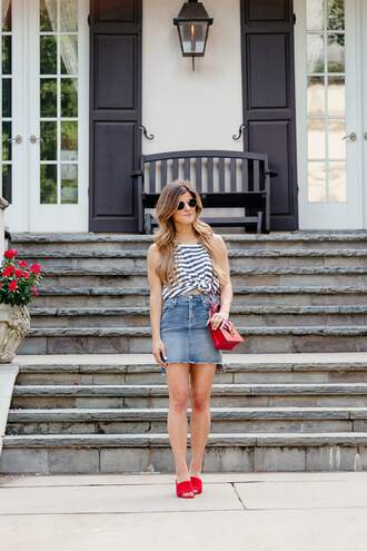 brighton the day blog | dallas fashion blog blogger tank top skirt sunglasses bag
