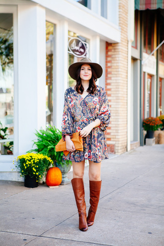 kendi everyday blogger brown leather boots paisley printed dress leather pouch fall dress 70s style