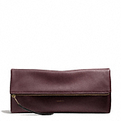 Coach :: THE LARGE CLUTCHABLE IN PEBBLED LEATHER
