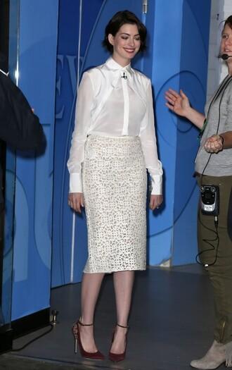 anne hathaway blouse white skirt pencil skirt